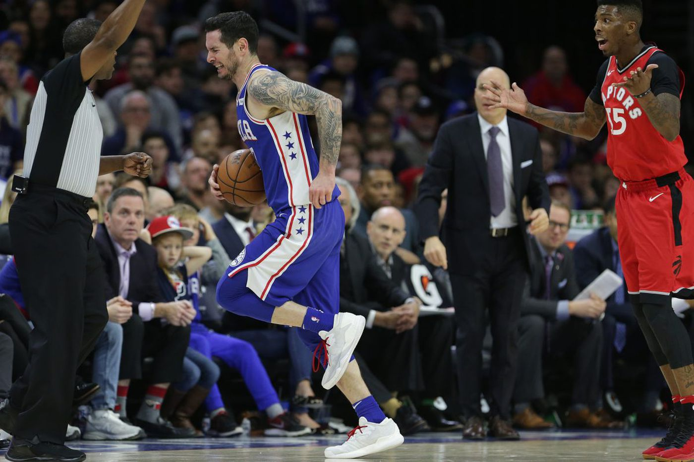 Sixers lose JJ Redick with 'small cortical crack' in left knee