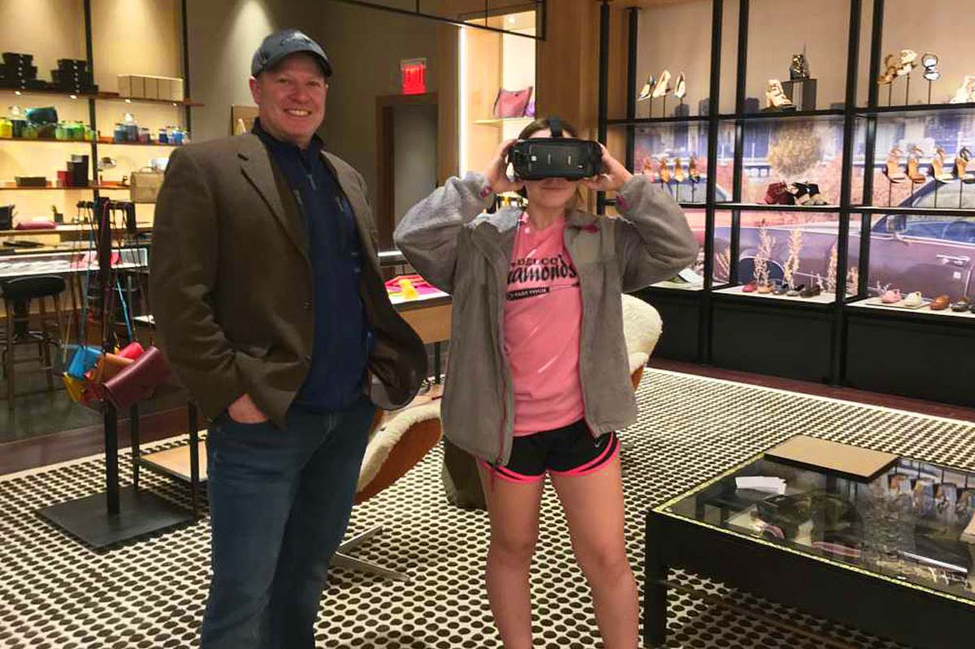 Coach at KOP Mall shows off New York Fashion Week in 3D to shoppers