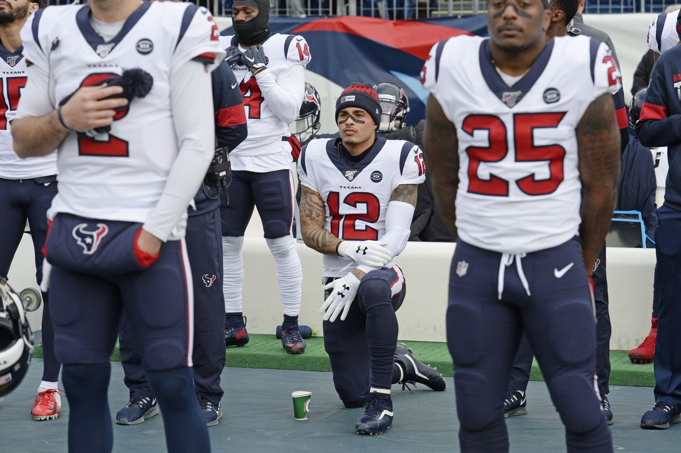 Texans WR Kenny Stills arrested at Breonna Taylor protest, Dak Prescott and Cowboys face deadline to reach long-term deal, and other sports news