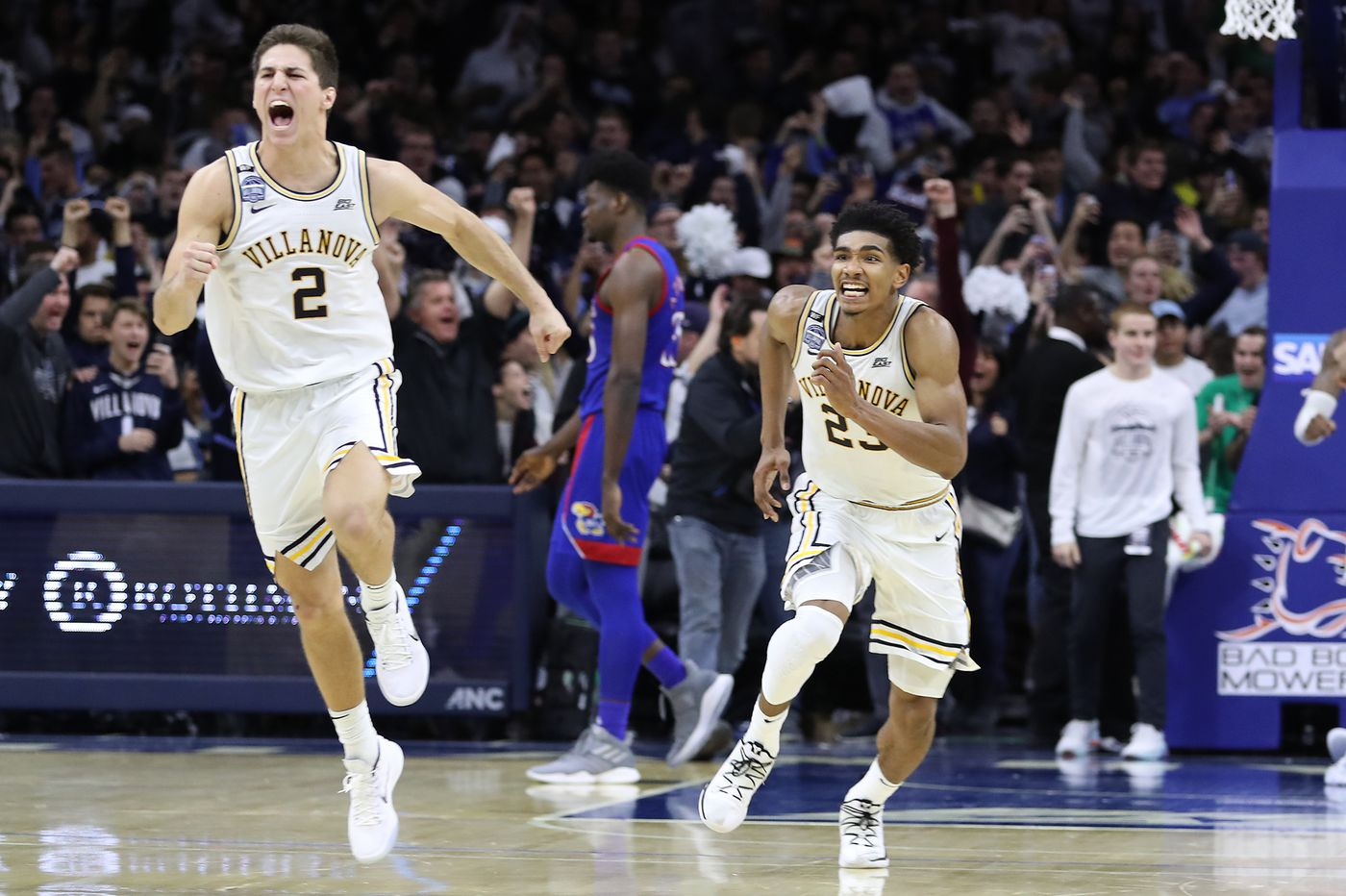 No. 18 Villanova 56, No. 1 Kansas 55: Stats, highlights, and reaction from the Wildcats' stunning upset