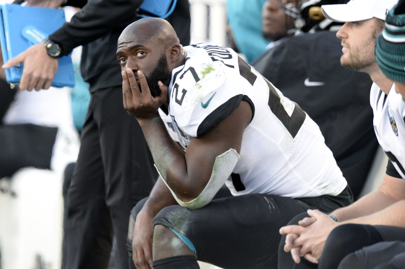 Jaguars surprisingly cut Leonard Fournette, all-in Padres get Mike Clevinger, and more sports news