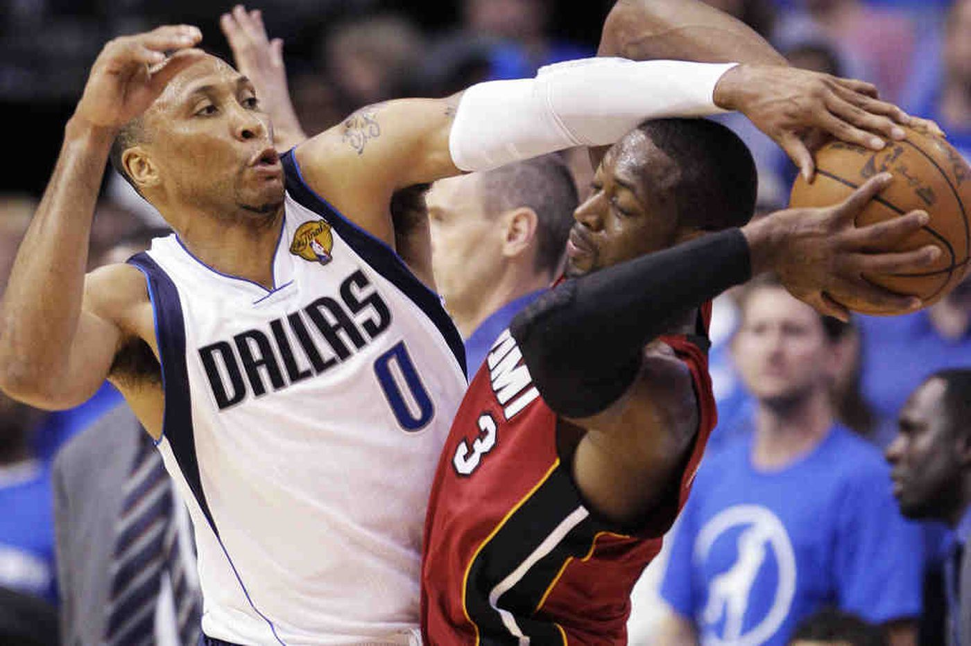 Fever pitch: Nowitzki does it again for Mavs