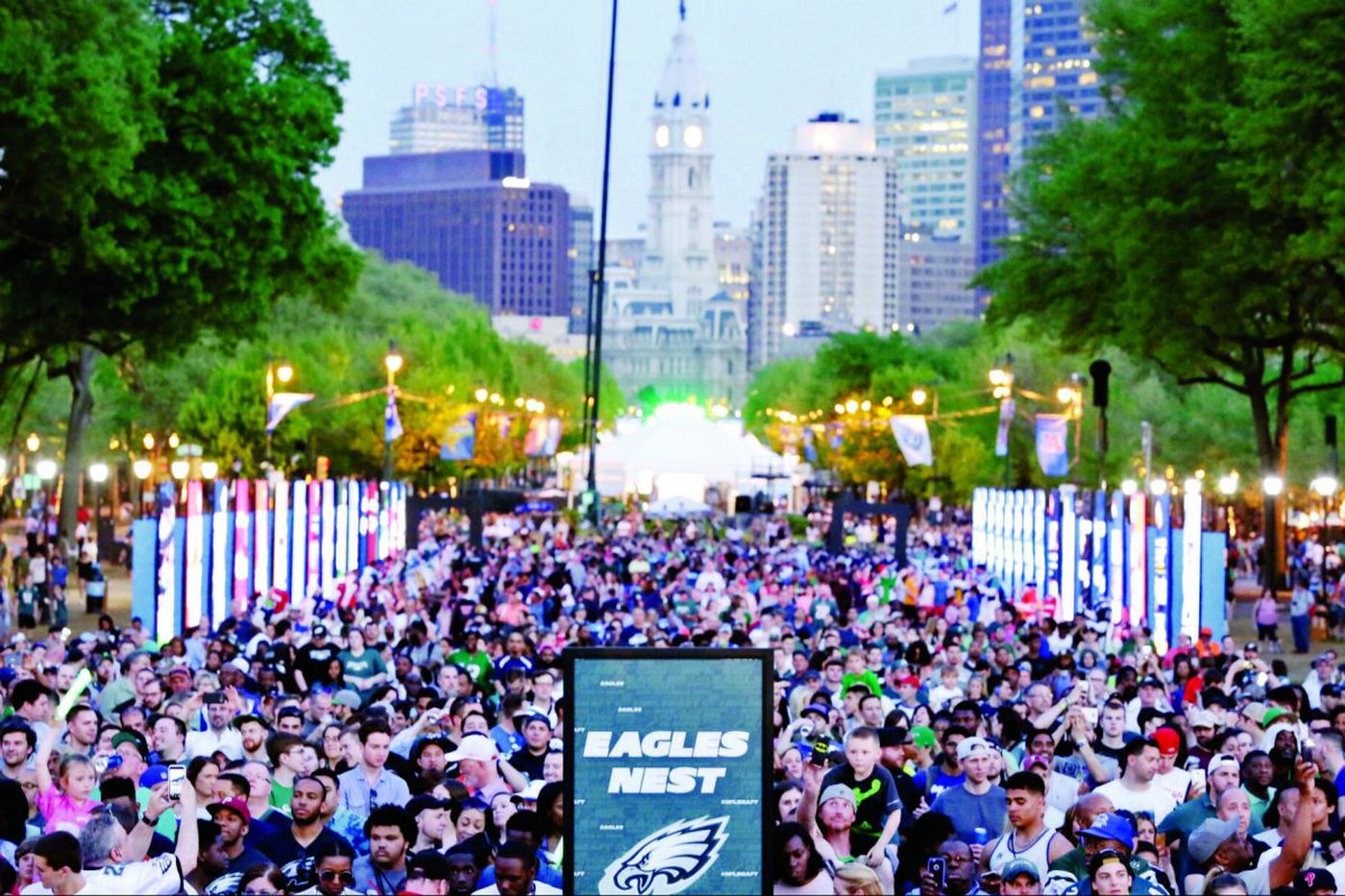 Eagles Parade will 'challenge' Philly's wireless network; Here are some tips to communicate