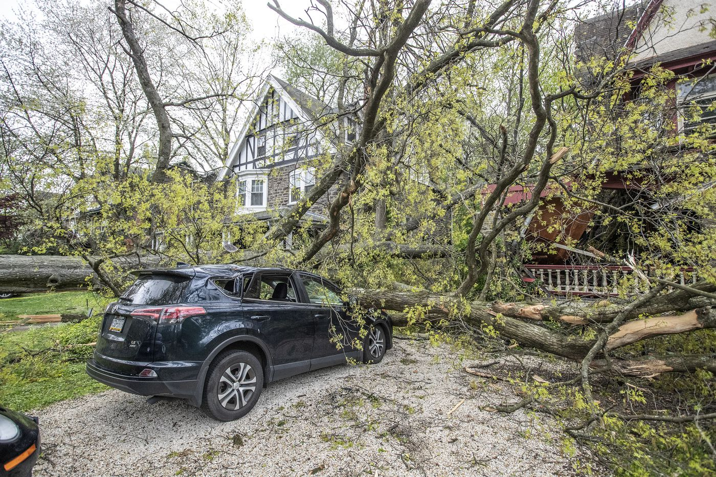 High winds cause damage, power outages across Philly region