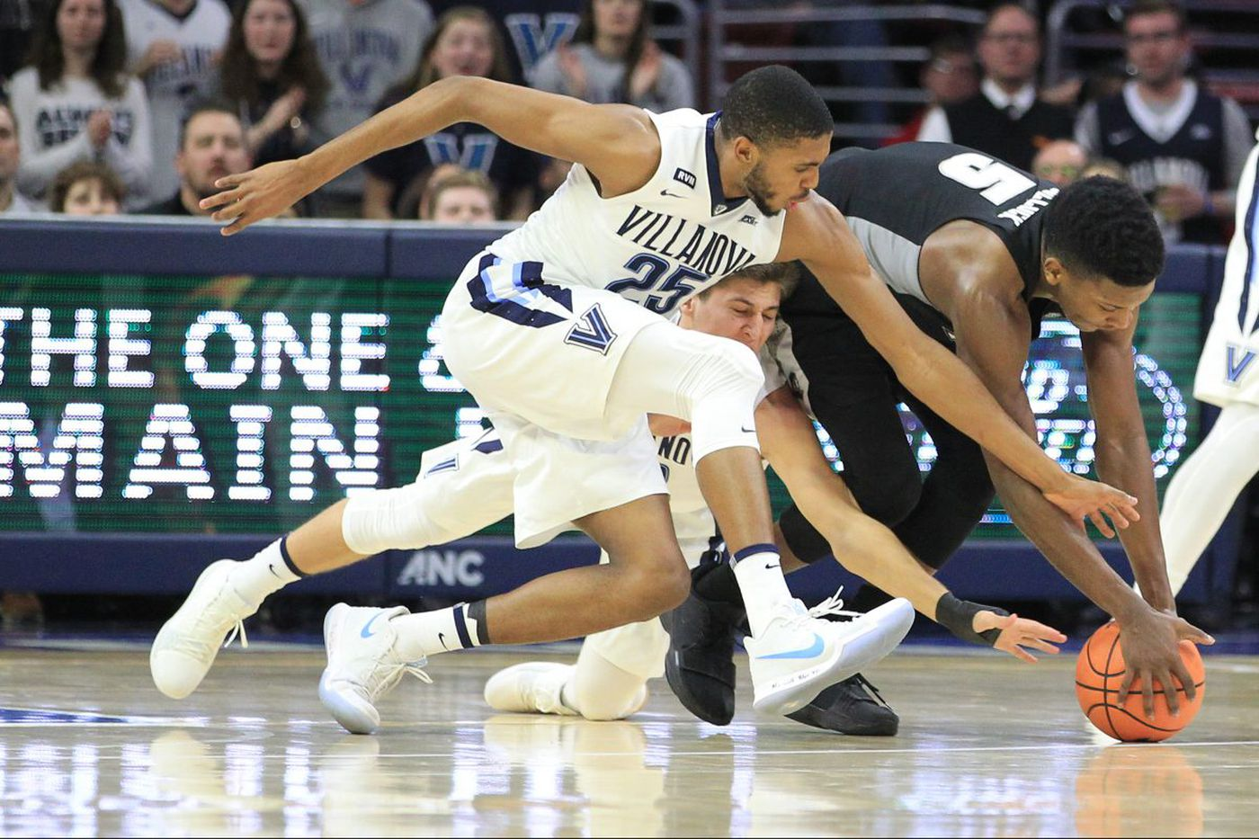 Villanova defense stars again in 89-69 win over Providence