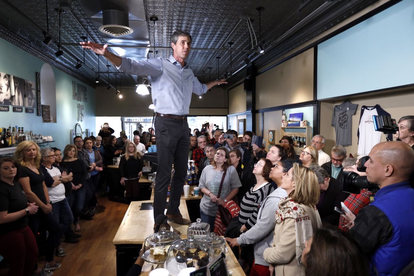 Beto O'Rourke Campaigns on Bringing Tinder to Rural Populations