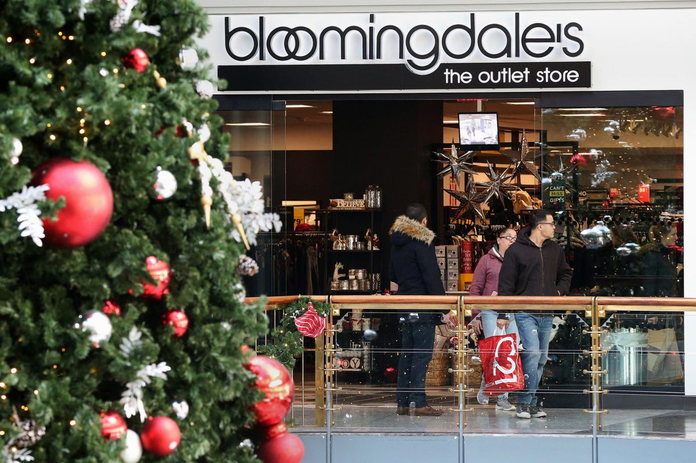 December's retail sales were the best in three years; Philly retailers did well too