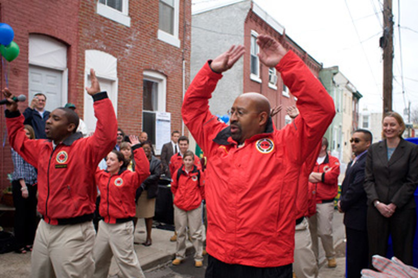 Inquirer Editorial: Hands up for City Year