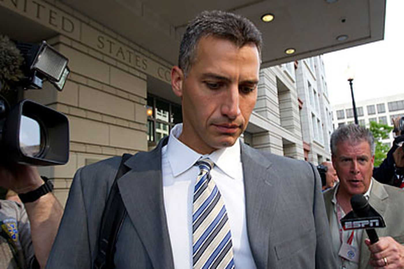 Pettitte testifies Clemens told him of HGH