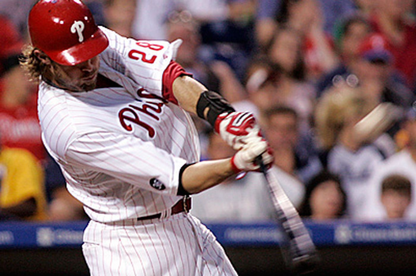 Moyer turns back clock as Phillies beat Padres