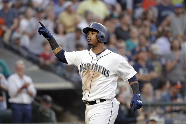 Phillies acquire Jean Segura from Mariners for J.P. Crawford, Carlos Santana