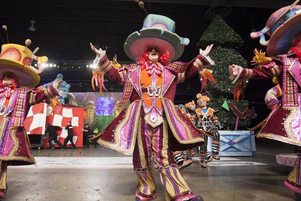Annual Daily News Guide to the Mummers Parade String Bands