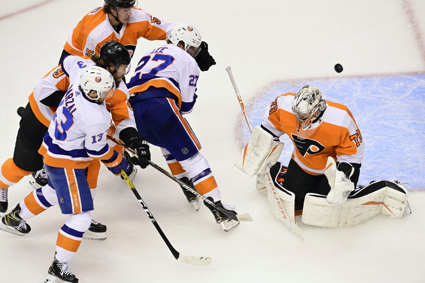 Flyers run out of gas, fall to Islanders, 4-0, and end their season in Game 7