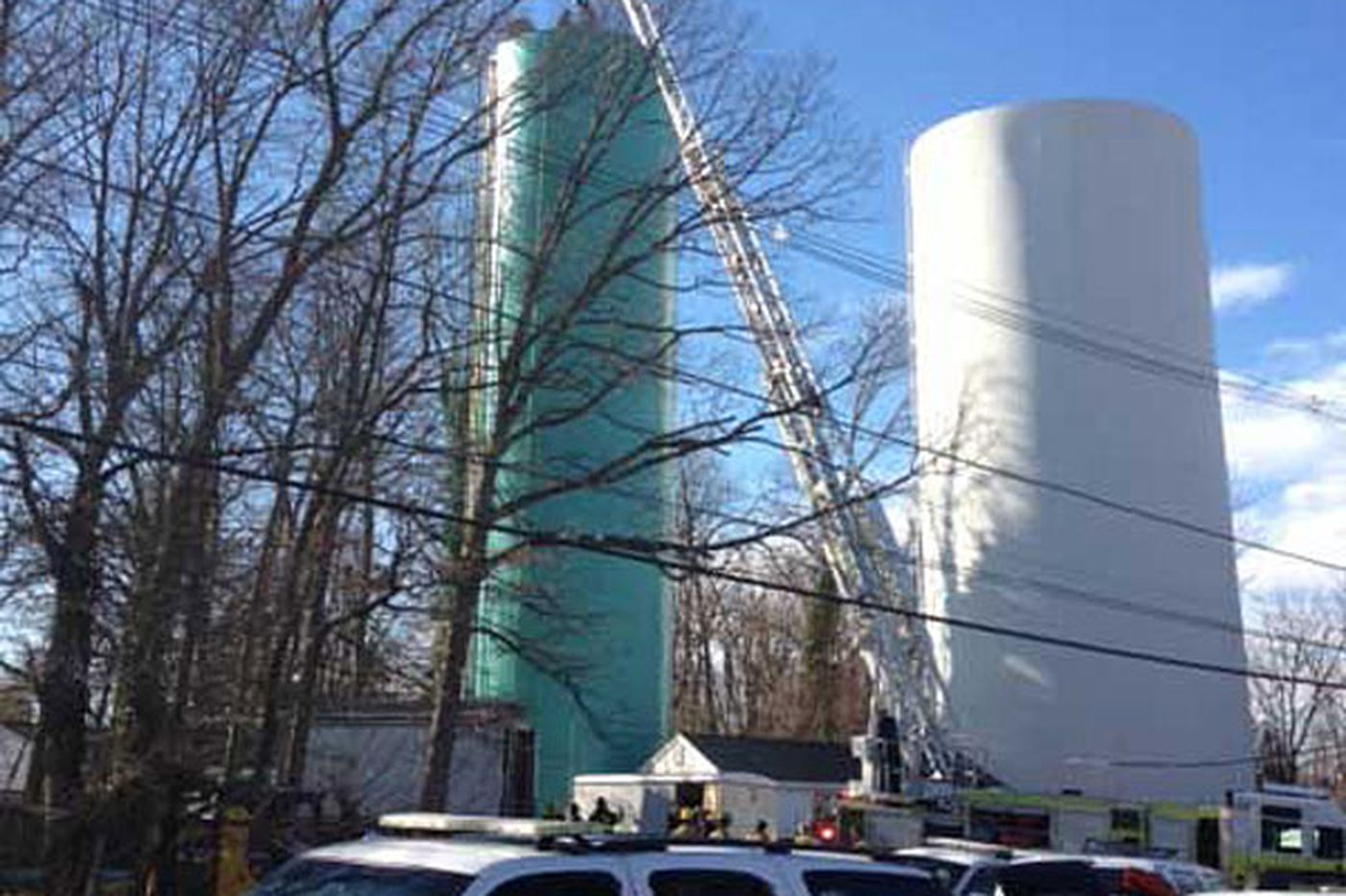 1 dead, 1 rescued in water-tower mishap
