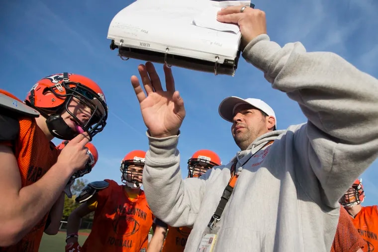 Marple Newtown Head Coach Chris Gicking calls a play for his offense during a practice on Nov. 2, 2016.  CHARLES FOX / Staff Photographer