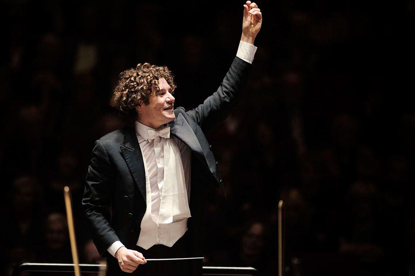 Ticciati, Phila Orchestra shine new light on Schumann, Mozart