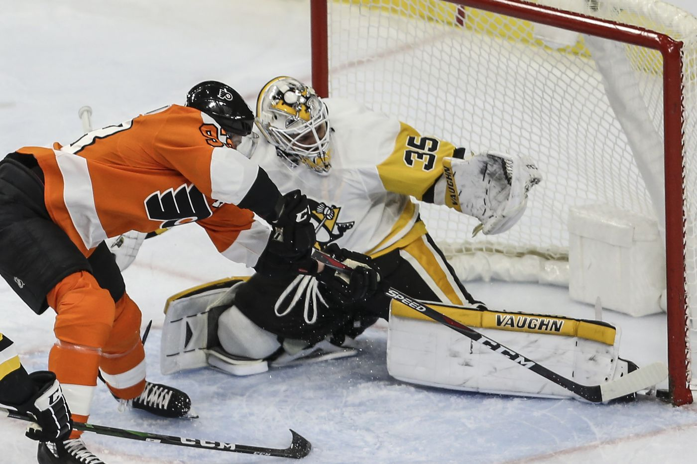 Old rivals Flyers, Pittsburgh Penguins open a 56-game sprint to the finish line