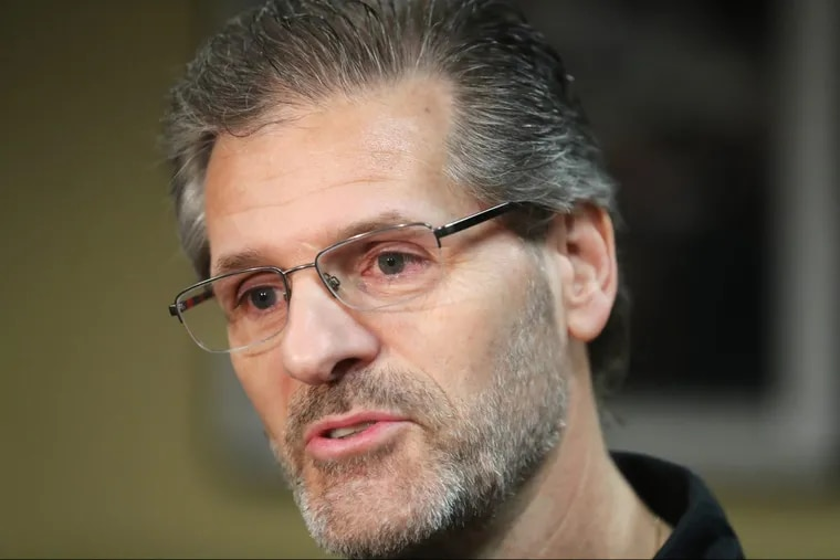 Flyers' GM Ron Hextall, at the team's practice facility earlier this year, has watched his club lose nine in a row.