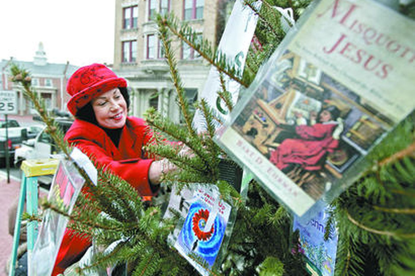 The 'Godless Holiday Tree' goes up