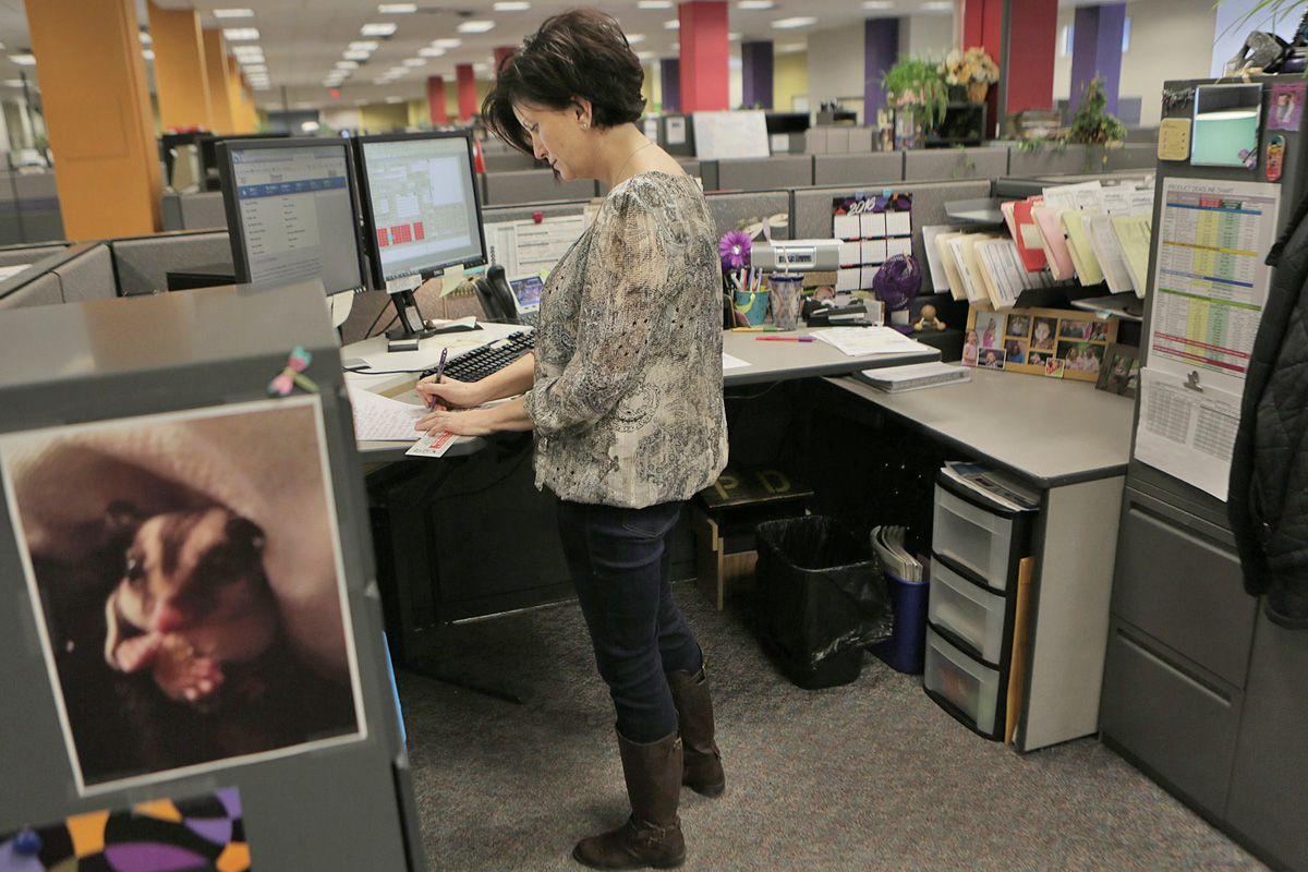 Sit-stand desks help improve job performance, study finds