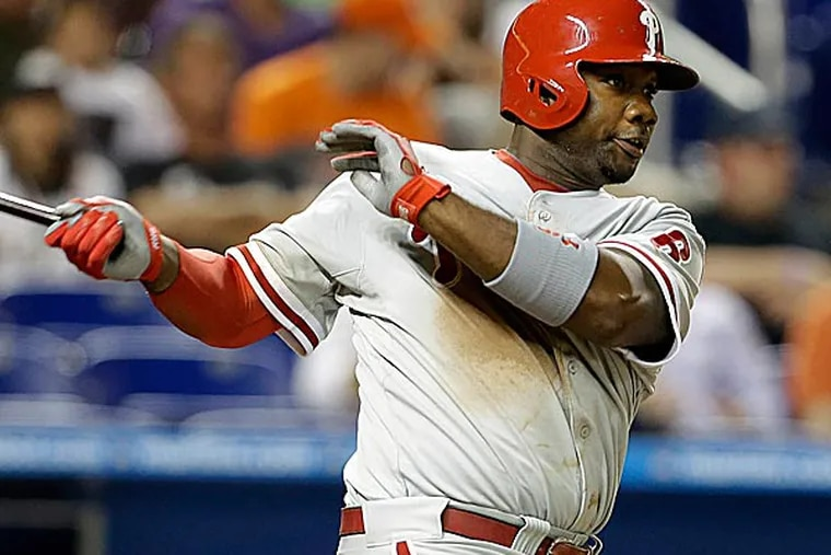 A cortisone shot reduced the pain from inflammation in Ryan Howard's left knee. (Lynne Sladky/AP)
