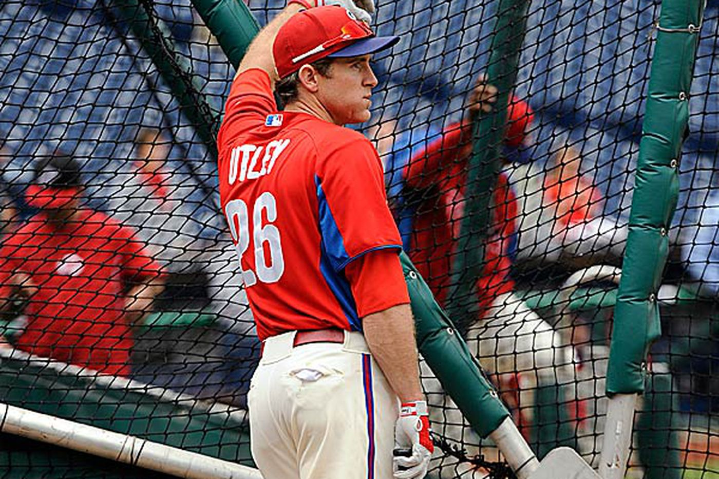 Phillies Notes: Utley takes some swings; no batting practice yet