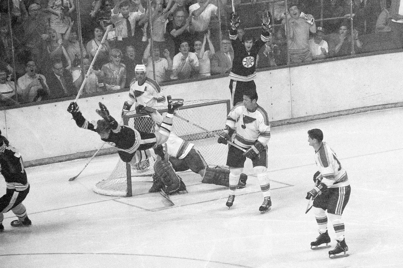 49 years ago, Bobby Orr's iconic goal for the Bruins almost killed ...