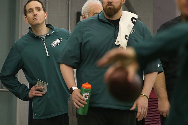 Handling of Carson Wentz's back fracture raises more questions about Eagles medical staff