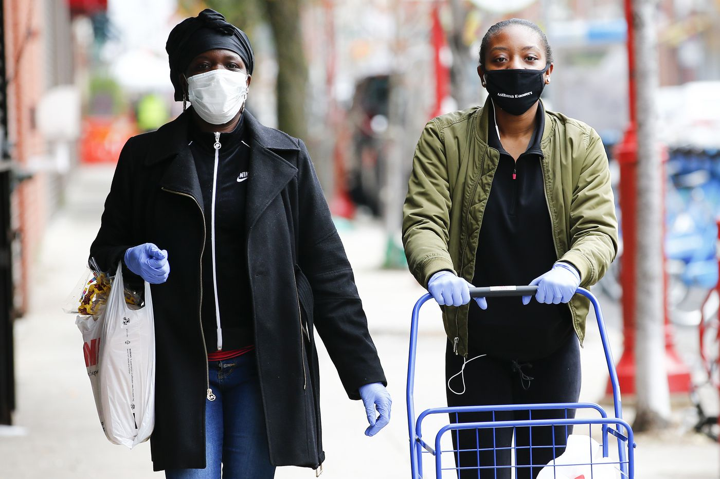 CDC considers advising the public to wear face coverings