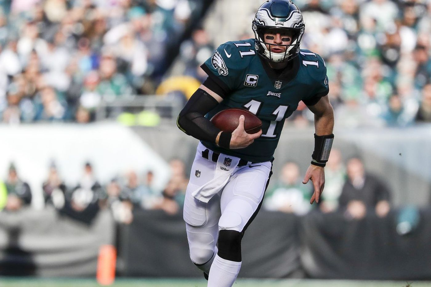 Lane Johnson rips Donovan McNabb over comments made about Carson Wentz