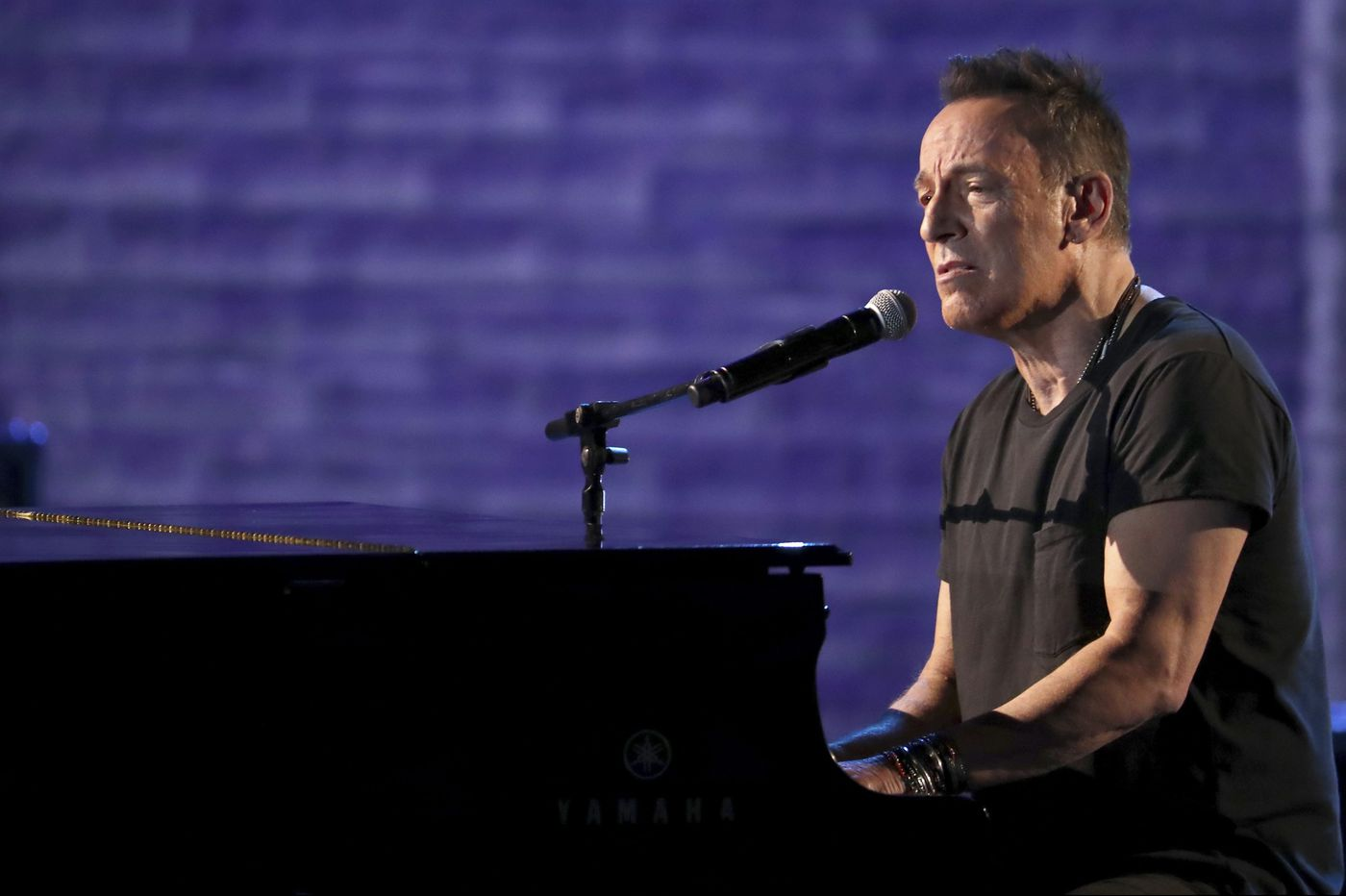 Bruce Springsteen's Tony Awards performance upset some Broadway fans on Twitter