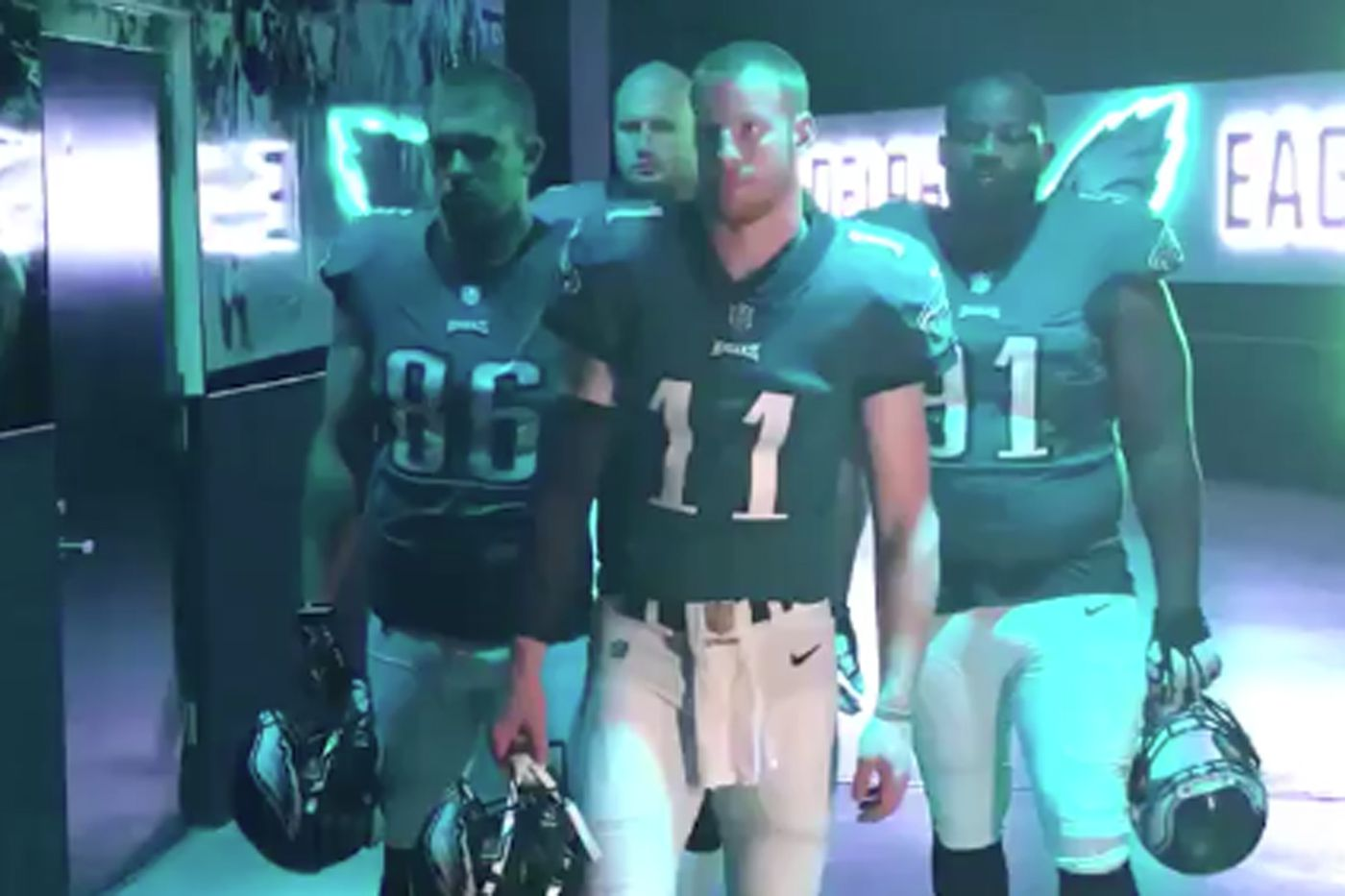 Eagles flood 'Sunday Night Football' opening, Phillies to play on Facebook again