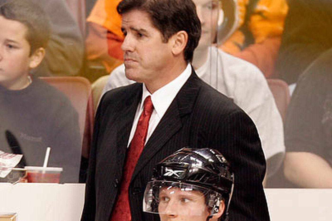 Flyers coach Laviolette isn't looking for a trade