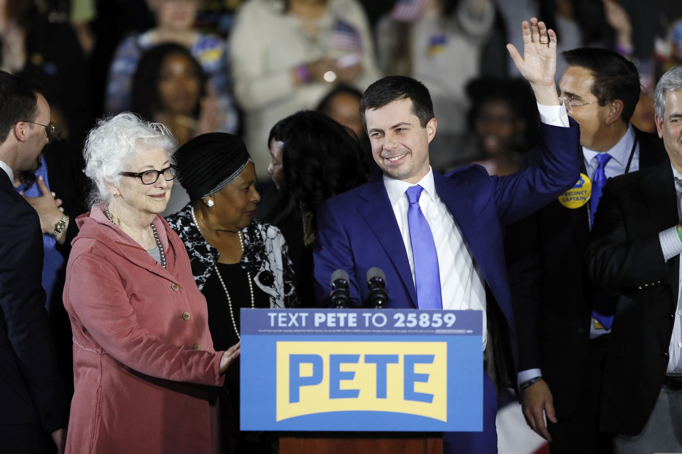 Buttigieg, Sanders lead as Iowa releases partial results