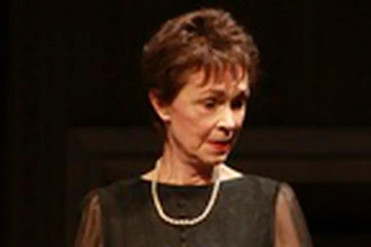 Deanna Dunagan plays the pill-popping wife, Violet.