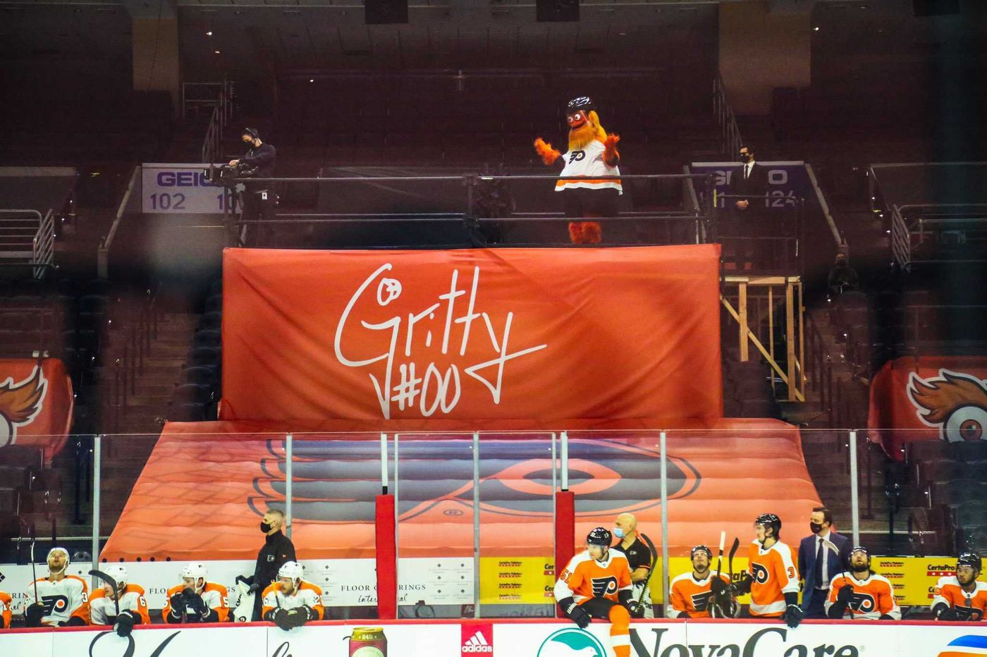 Gritty returns to Flyers games Wednesday with a 'dramatic' entrance and his own 'stage'