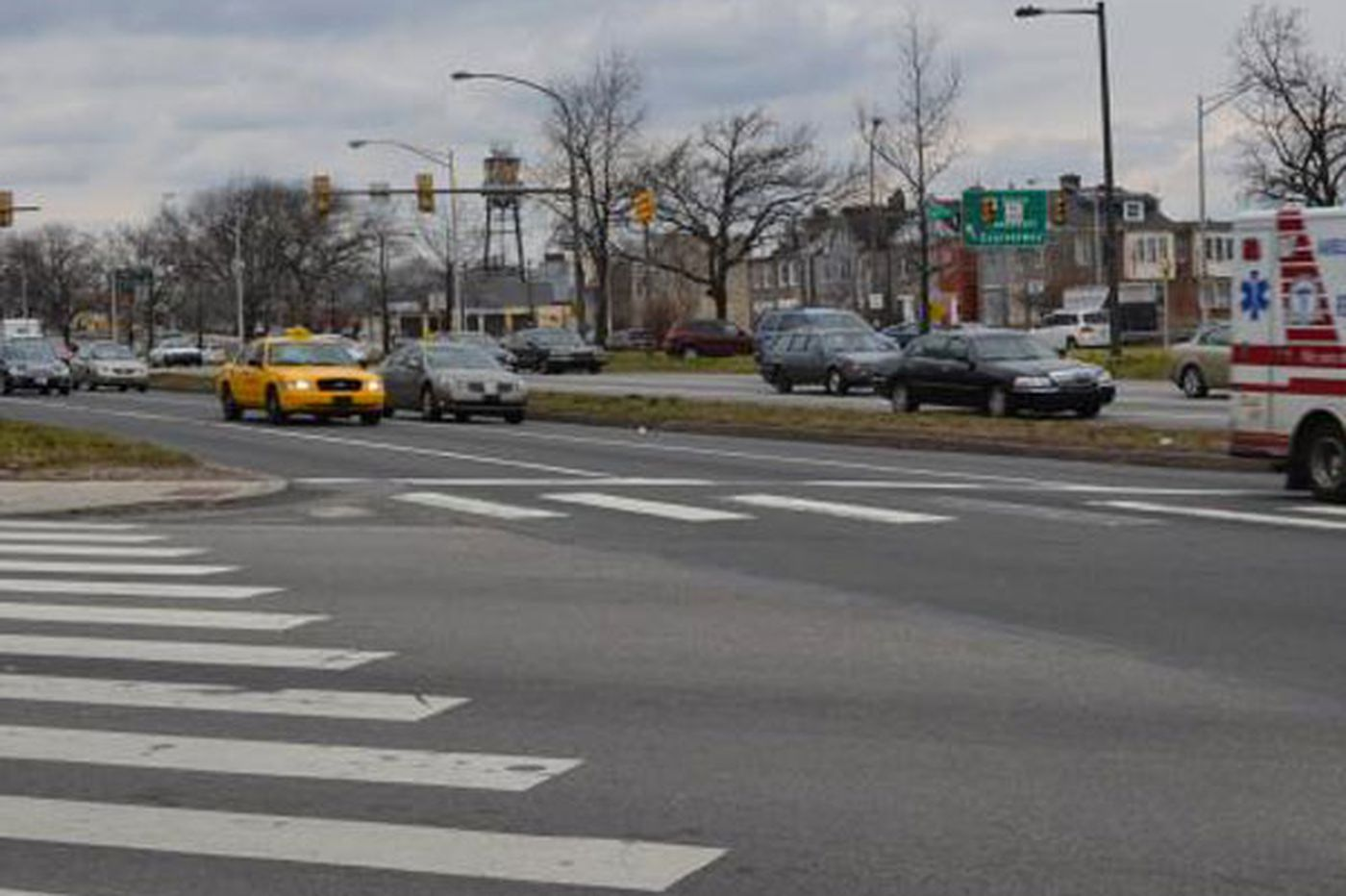 Five people, three of them children, injured in Roosevelt Boulevard accident