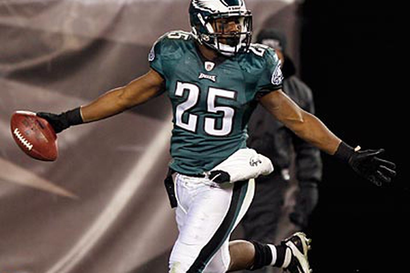 Eagles and McCoy are talking; will he hold out?