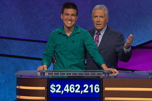 'Jeopardy!' star James Holzhauer shoots down bogus theory after loss
