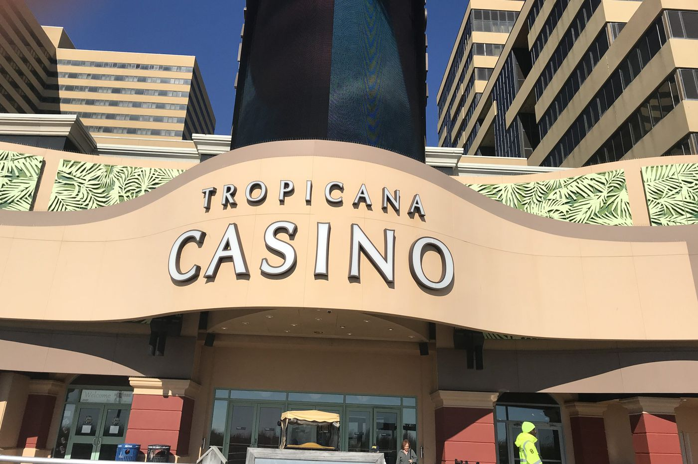 Tropicana sportsbook in Atlantic City opens with … a bet on the Lakers?