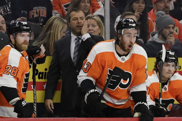Flyers coach Alain Vigneault sent a message to Claude Giroux and Jake Voracek, and it was a long time coming | Mike Sielski