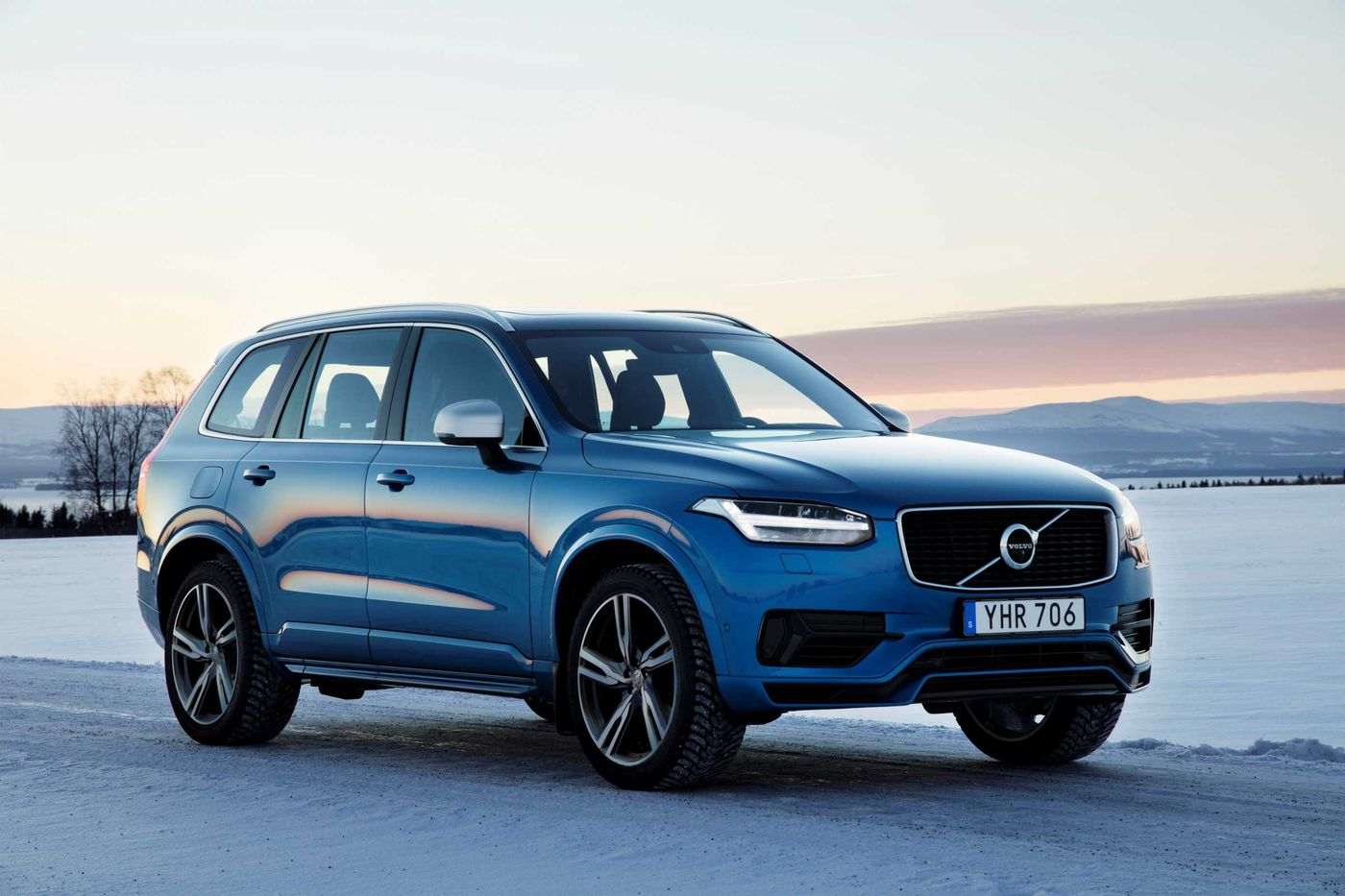 Volvo brings its luxury and performance A-game to the XC90