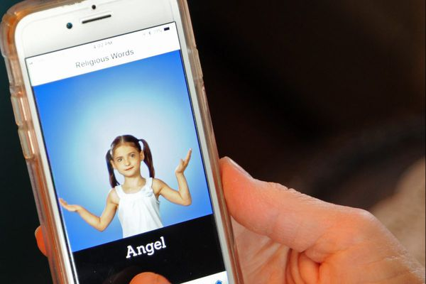 Deaf children learning to pray: Philly nun has an app for that