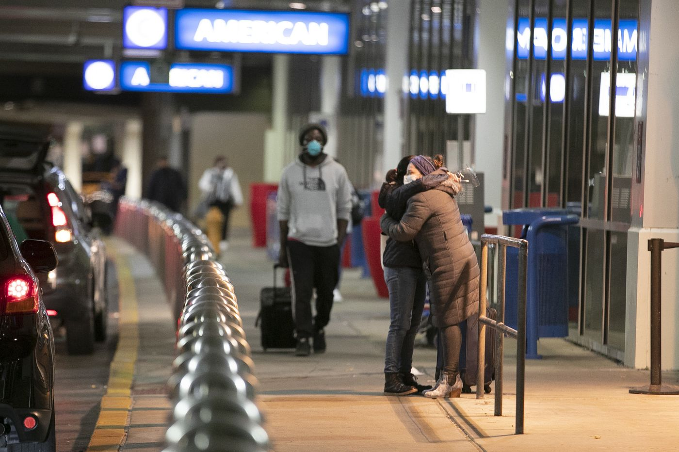 COVID-19 pandemic is not halting everyone's Thanksgiving travel plans