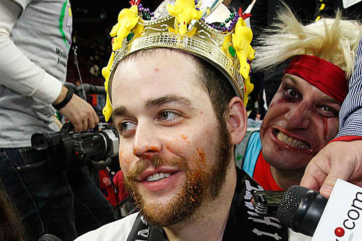 Sideshow: Wing Bowl: Upstart Bertoletti gobbles up title in upset