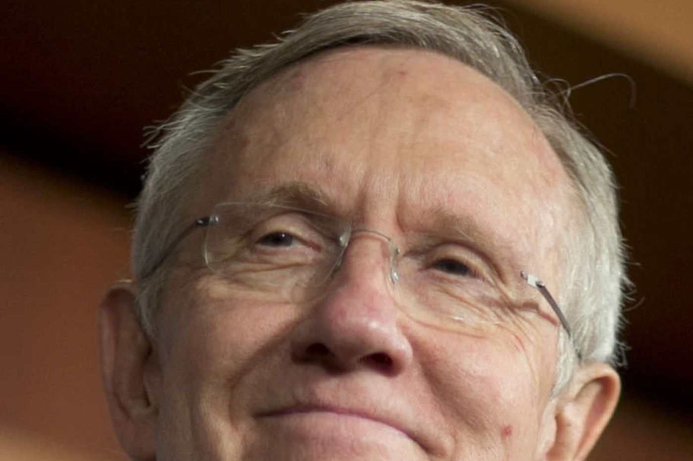 Reid announces retirement, endorses Schumer as heir