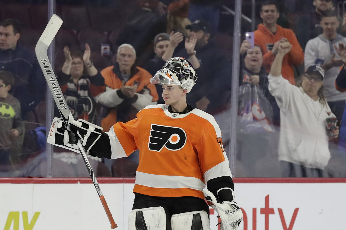 Carter Hart, an early Christmas present to Flyers fans, may alter GM Chuck Fletcher's trade plans | Sam Carchidi