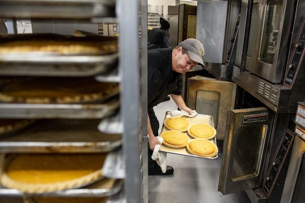 Here's how MANNA makes 10,000 pies — and enough Thanksgiving dinner to feed 5,000 people