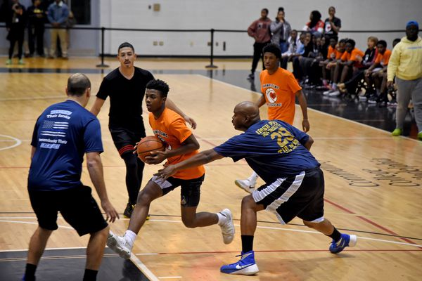 Why I'm grateful for a basketball game between 10th graders and Philly police   Helen Ubiñas