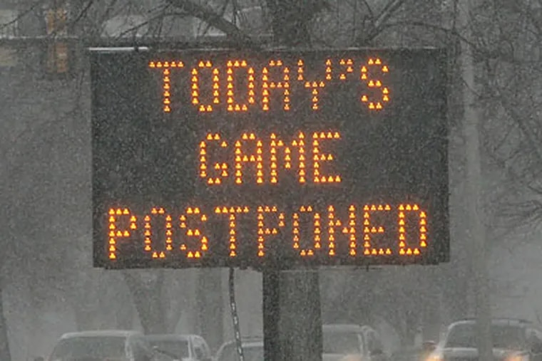 The Eagles' crazy season continued with the postponement of Sunday's game due to snow. (Yong Kim/Staff Photographer)